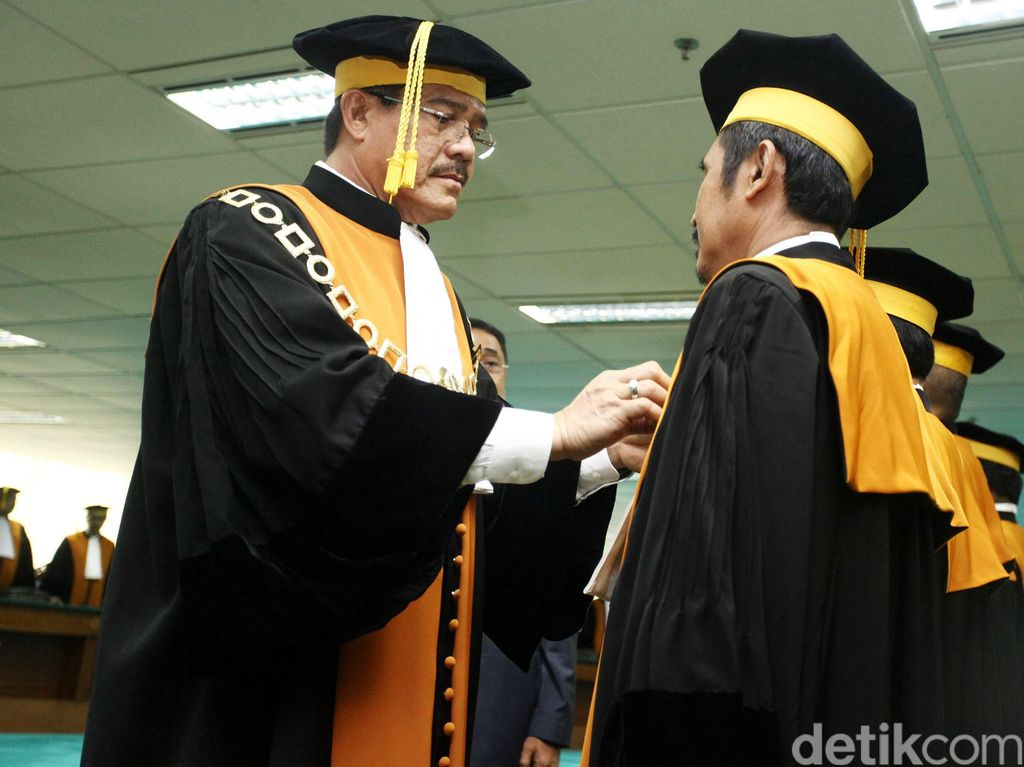 Ketua MA Lantik Enam Hakim Agung Baru