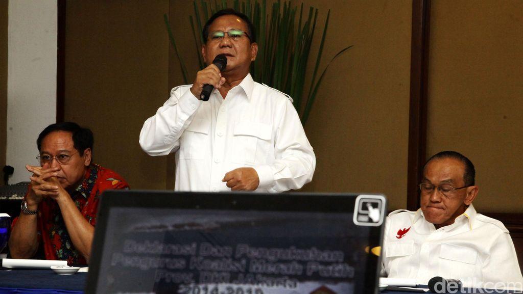 Begini Cara Ical Ngomong ke Prabowo Sebelum Golkar Dukung Pemerintah