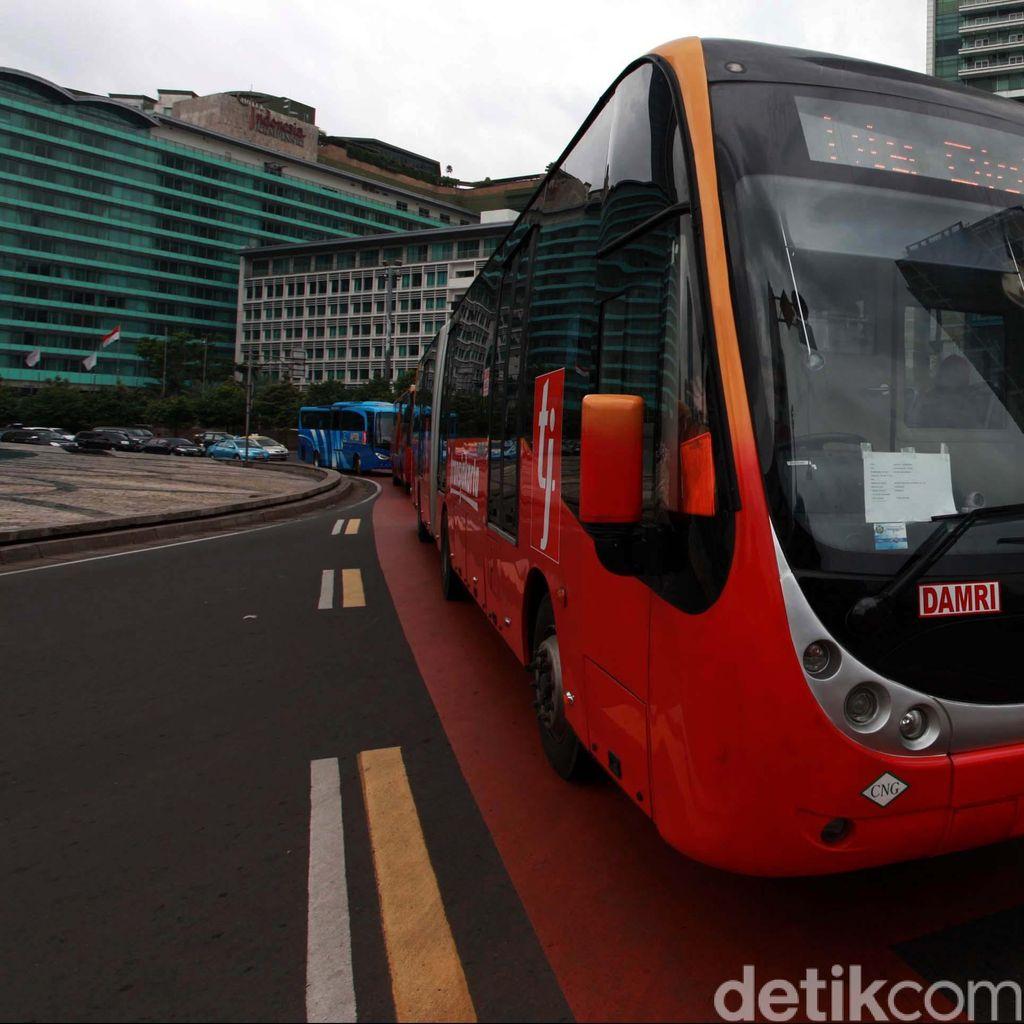 Dishub DKI Tengah Kaji Bus Instansi Pemerintah Melintas di Jalur TransJ