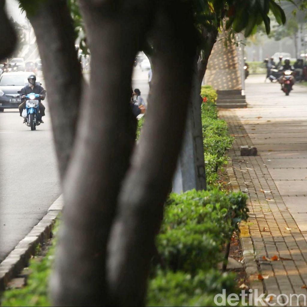 Suara Pedestrian Masih Mendamba Trotoar Nyaman, Steril dari Pemotor