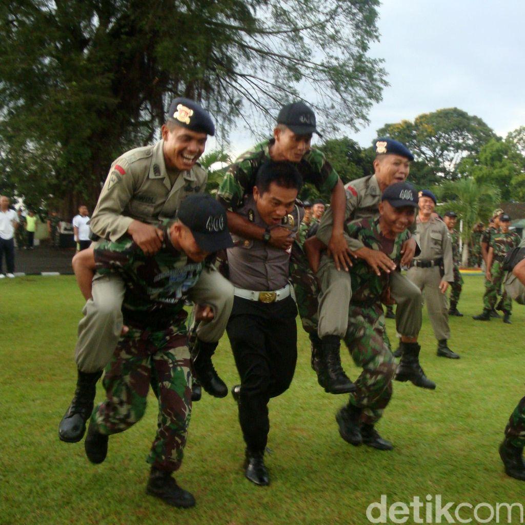 Bentrok Polewali Mandar, TNI-Polri: Jangan Mudah Terprovokasi Info <i>Hoax</i>