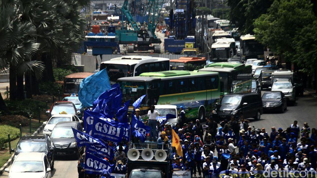 Diskresi Kepolisian, Massa Buruh Bawa Motor Boleh Masuk Thamrin-Medan Merdeka