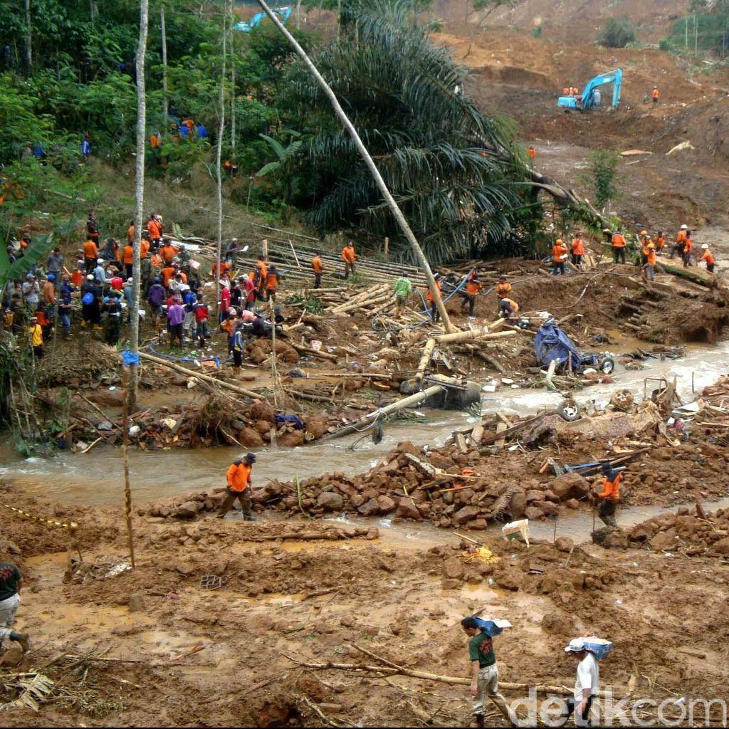 600 warga Masih terisolir Usai Banjir dan Longsor di Banyumas