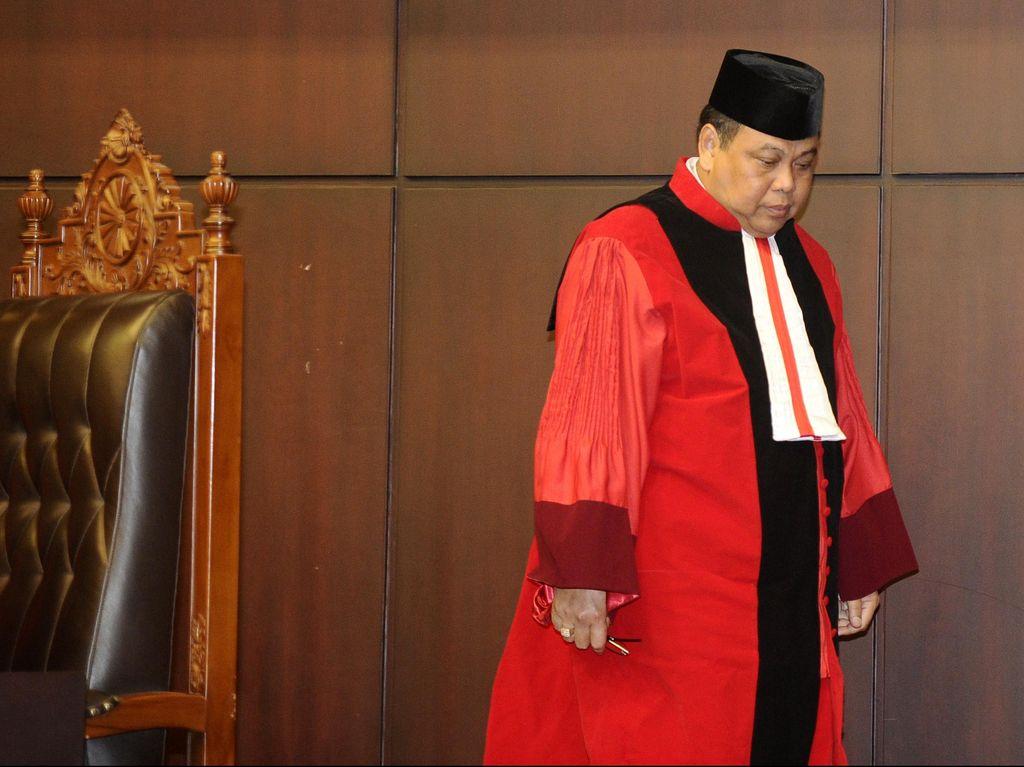 Ketua MK Minta Rakyat Baca Putusan Penghapusan Pasal Penghinaan Presiden