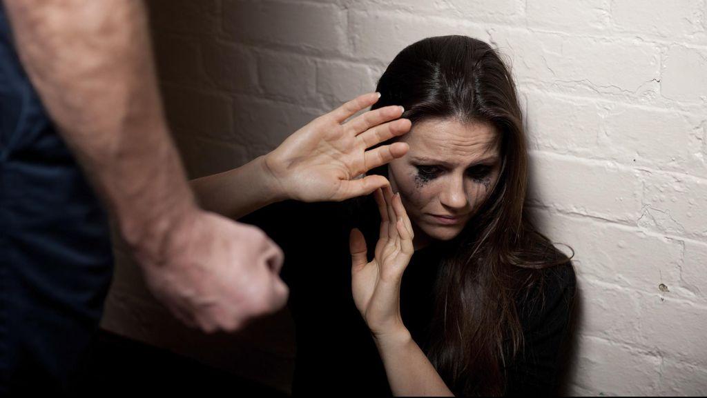 Memperkosa Istri Sendiri Bisa Dipenjara, Suami Umumnya Paksa Anal Sex