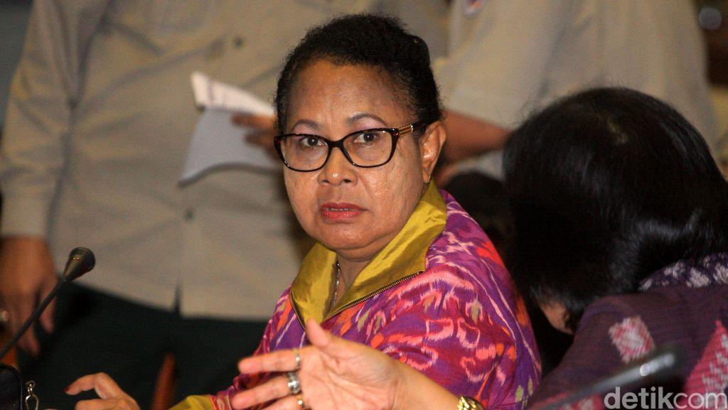 Menteri Yohana Pastikan Aturan Hukuman Kebiri Terbit Awal Desember 2015