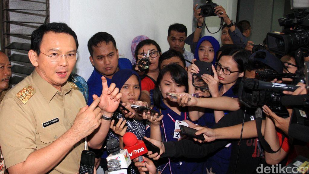 Satpol PP Ricuh dengan PKL Monas, Ahok: Tuntut Dong ke Kepolisian!