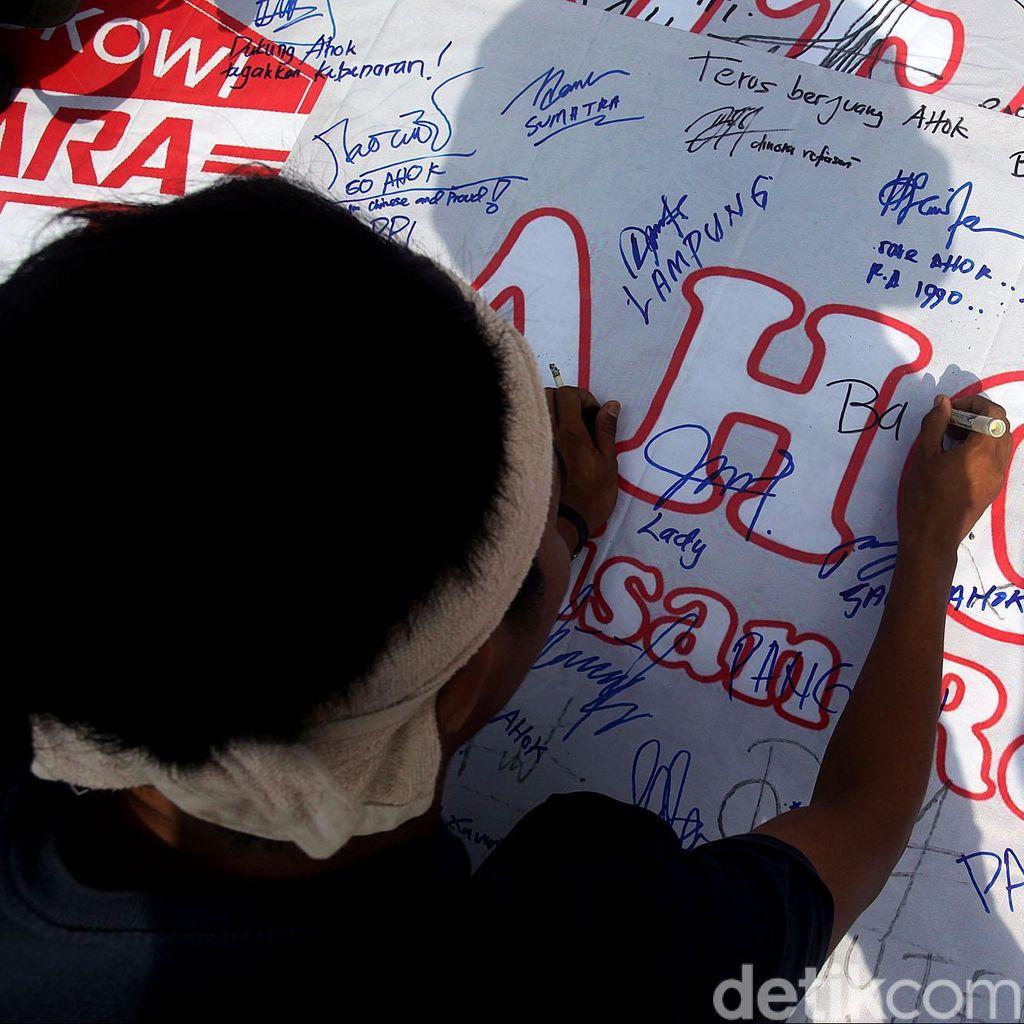 Satpol PP Siap Usir Warga yang Bawa Atribut Politik di CFD