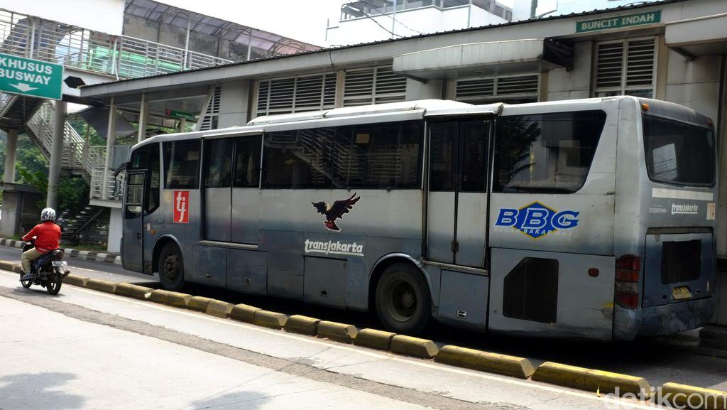 Bus TransJ Beroperasi Situasional Saat Demo Buruh Besok
