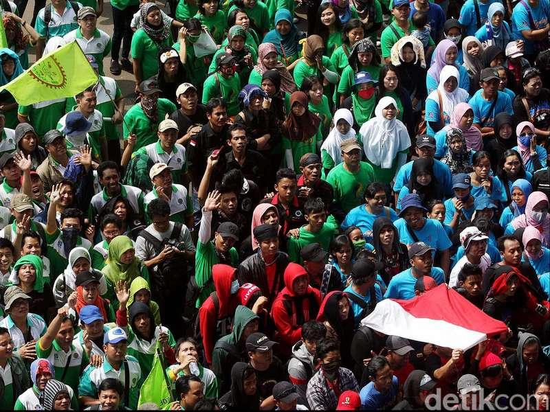 Puluhan Ribu Buruh Akan Long March HI-Istana pada 1 September