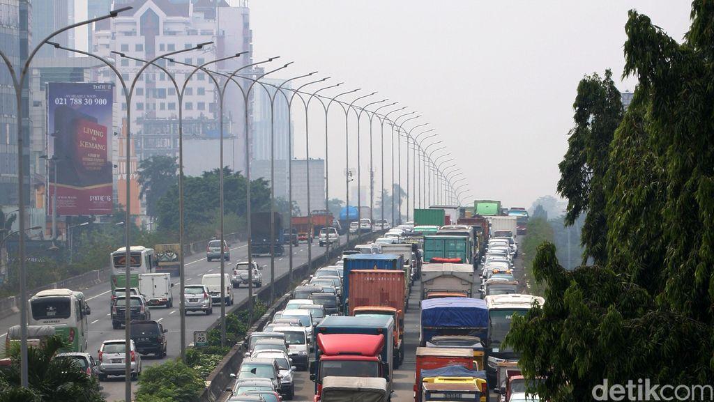 Mobil-Motor Gratis Masuk JORR Depan Citos dari 3 Agustus - Desember 2015