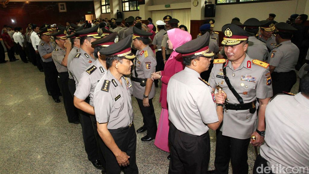 Buka Puasa Bersama Presiden, Para Pejabat Mulai Berdatangan ke Mabes Polri