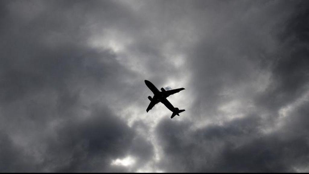 Pilot American Airlines Mendadak Sakit dan Meninggal di Udara