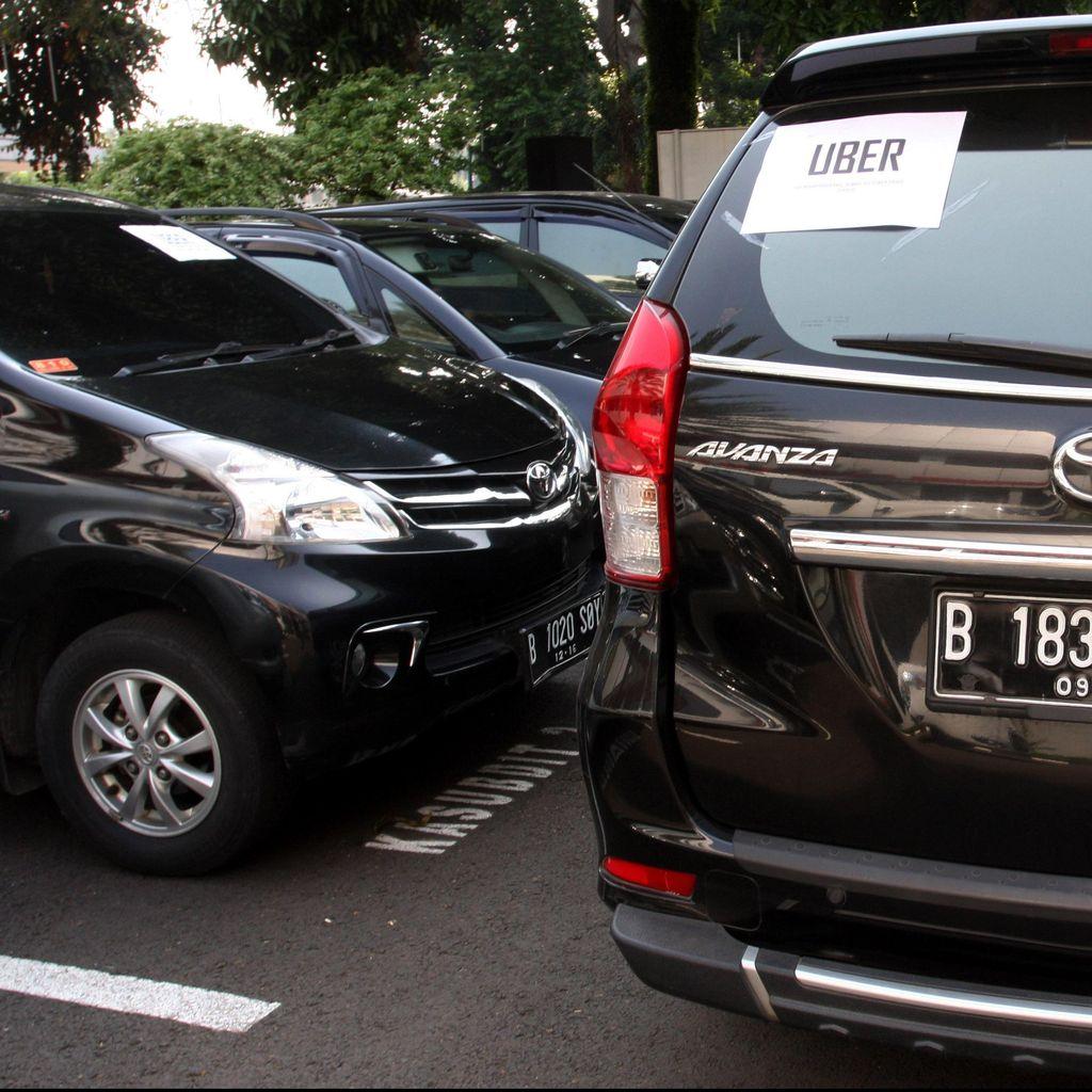 Permenhub Taksi Online Efektif per 1 Oktober, Kenapa Sudah Ada Penindakan?