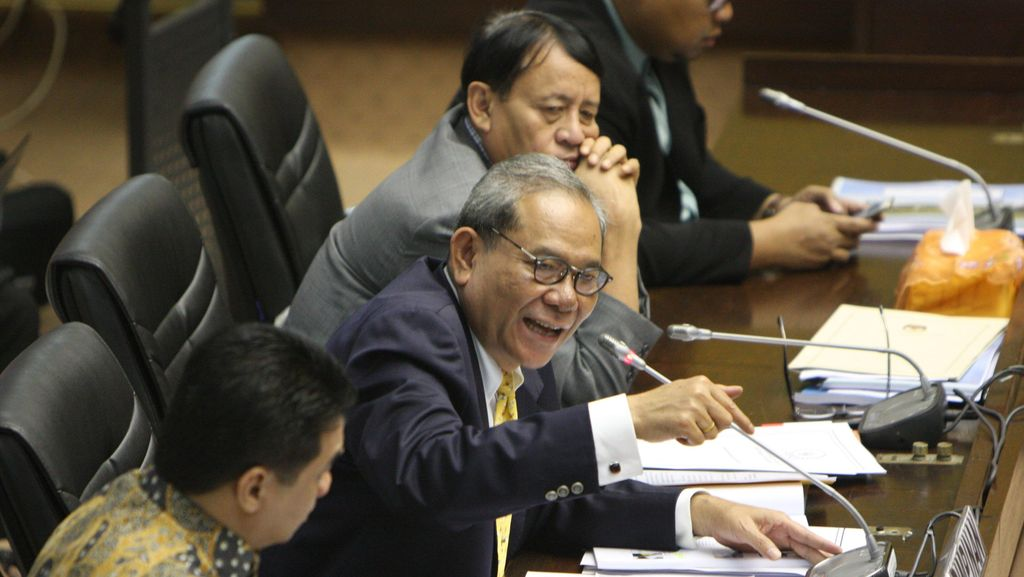 Rapor Kinerja KemenPANRB Peringkat 4, Ketua Komisi II DPR Lempar Kritik