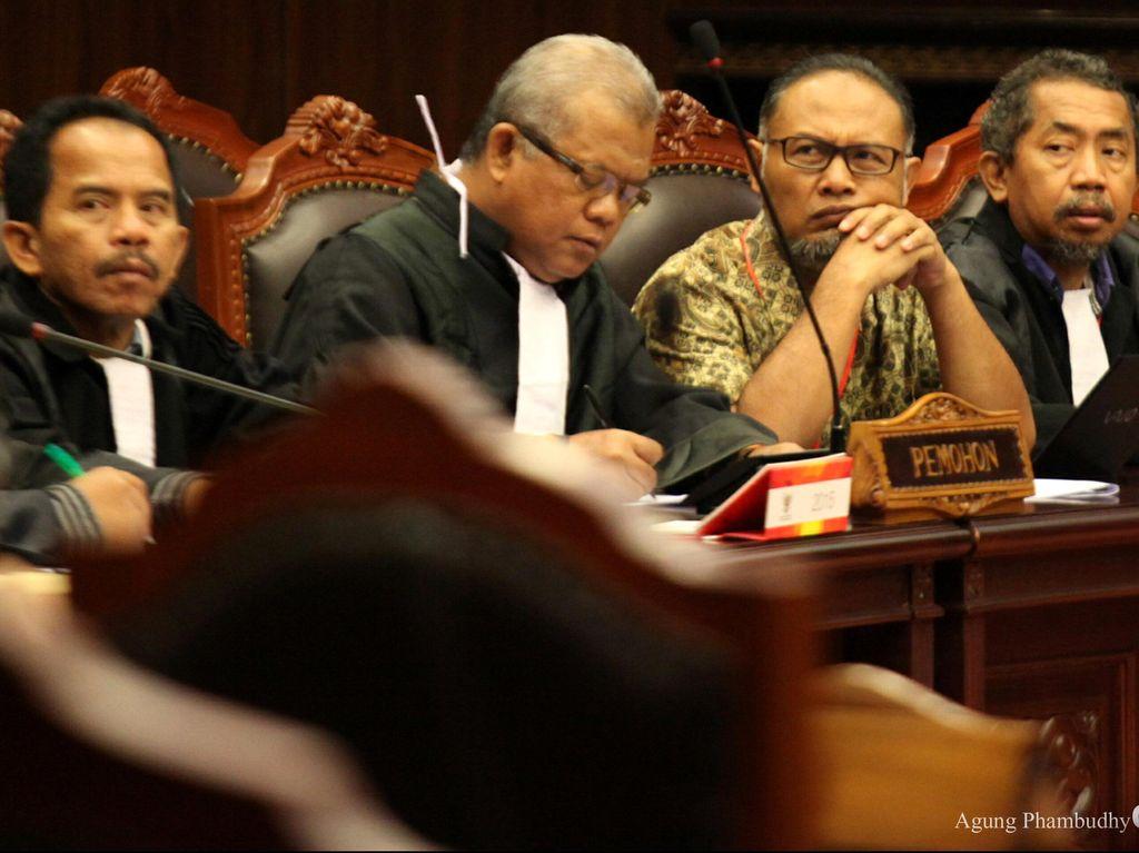 Tak Ada Kejelasan Berkas, Pengacara BW Adukan Kejagung Ke Komisi Kejaksaan