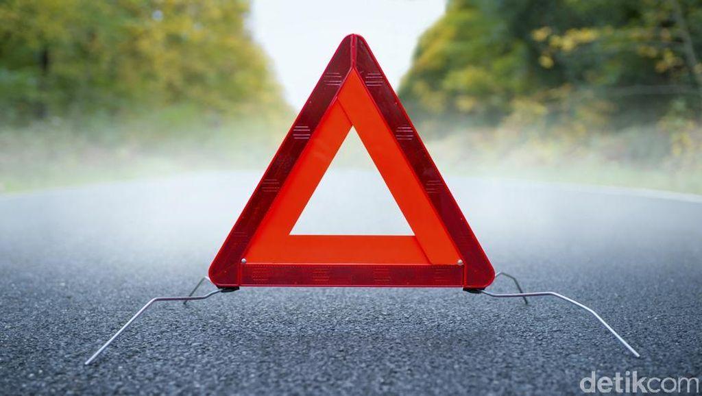Kecelakaan Beruntun 3 Mobil, Tol Slipi Arah Tomang Macet 10 Km