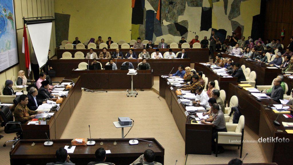 Anggota Komisi II Protes KPU Hanya Catat Calon Kepala Daerah dari DPR