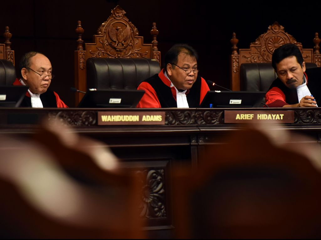 MK Putuskan OJK Konstitusional dan Tidak Perlu Dibubarkan