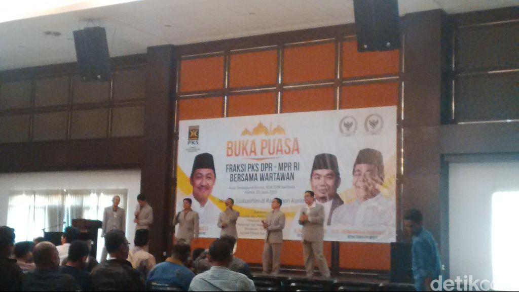 Anis Matta, Hidayat Nur Wahid, dan Elite PKS Buka Puasa Bareng di Kalibata