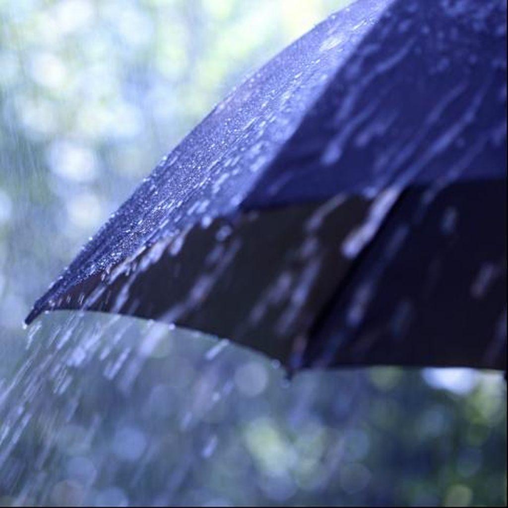 Waspada Hujan Disertai Petir di Jabodetabek Sore ini, ini Lokasi-lokasinya