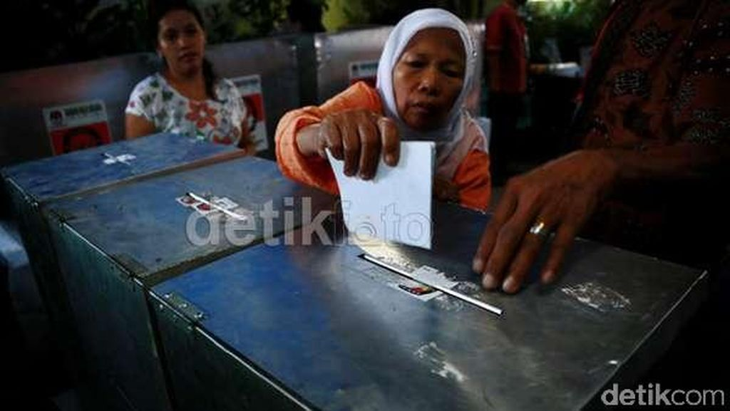 PDIP: Jika Pilkada Surabaya Ditunda ke 2017, KPU Langgar UU