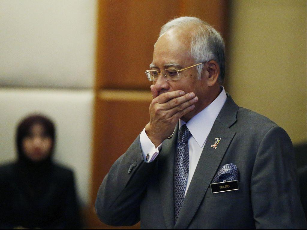 Dana Rp 9 T Diklaim Donasi, PM Najib Dihujani Kritikan