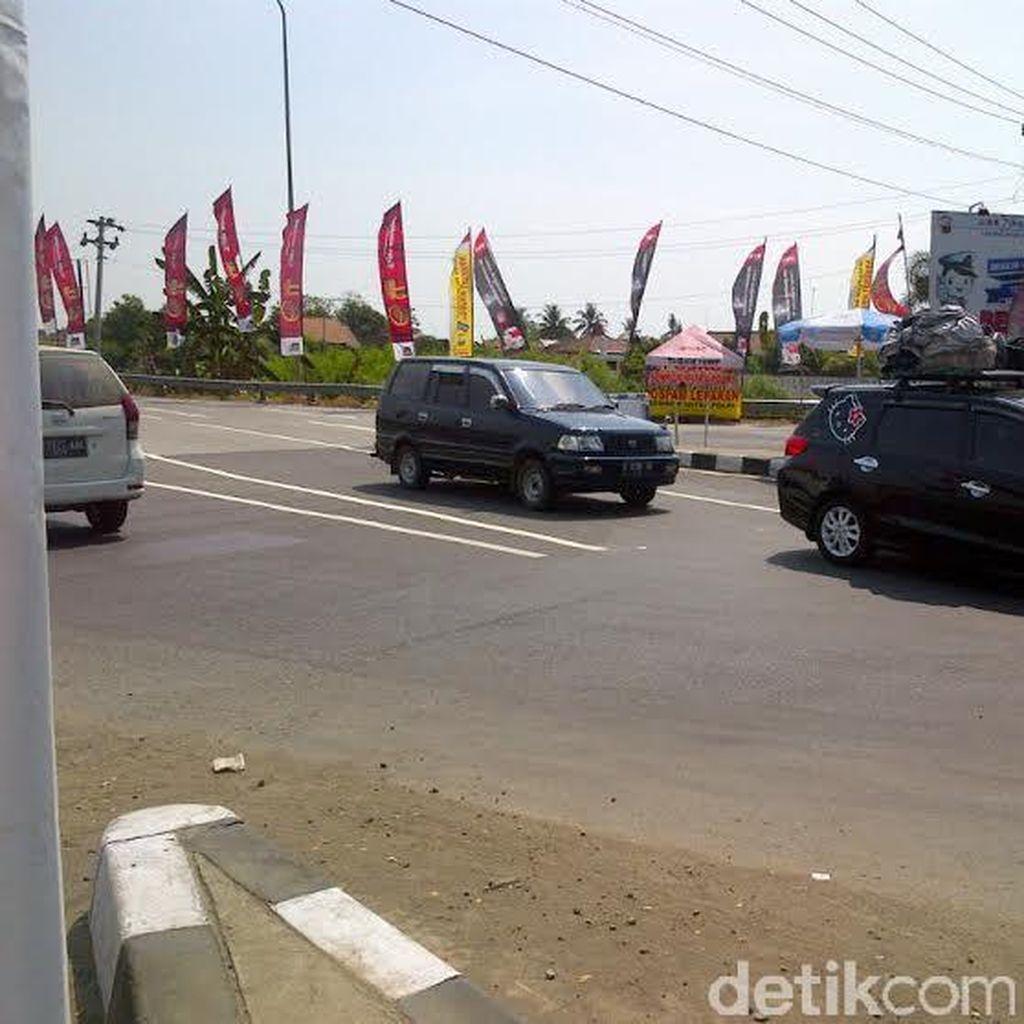 Ada Perbaikan Jalan, Exit Tol Pejagan Arah ke Brebes Macet 4 Km