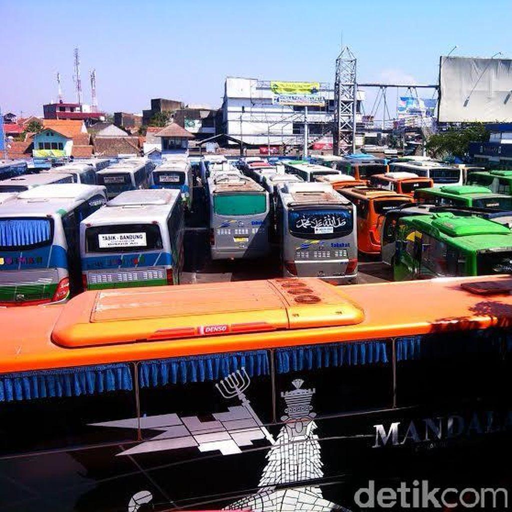 Ini Strategi Ridwan Kamil Tuntaskan Kesemrawutan Terminal di Kota Bandung