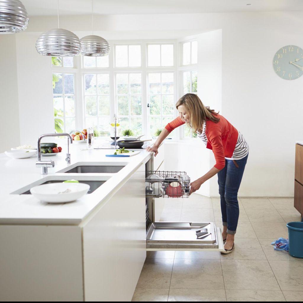 Bakar Kalori Sambil Lakukan Pekerjaan Rumah? Bisa, Coba Saja Gerakan Ini