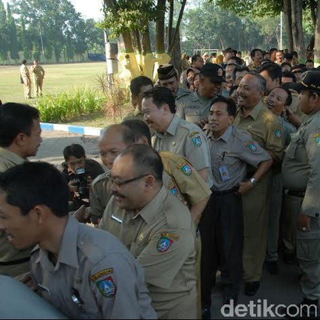 Pemprov Riau Akan Razia PNS yang Nongkrong di Warung dan Kafe di Jam Kerja