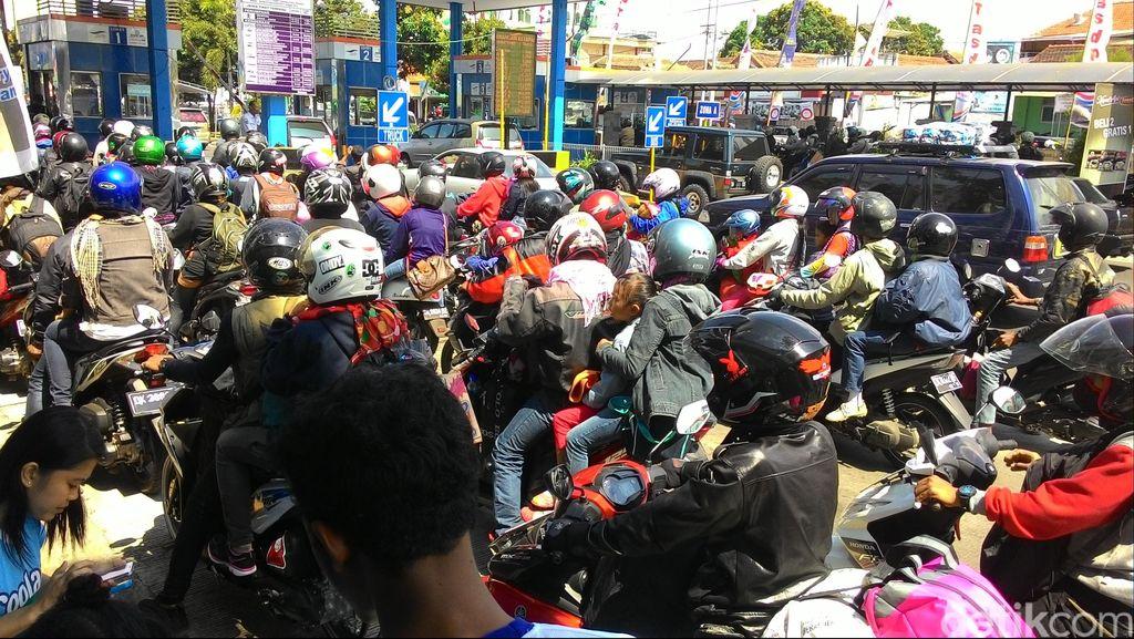 Arus Balik, 61 Ribu Penumpang Menyeberang Dari Pelabuhan Ketapang ke Bali
