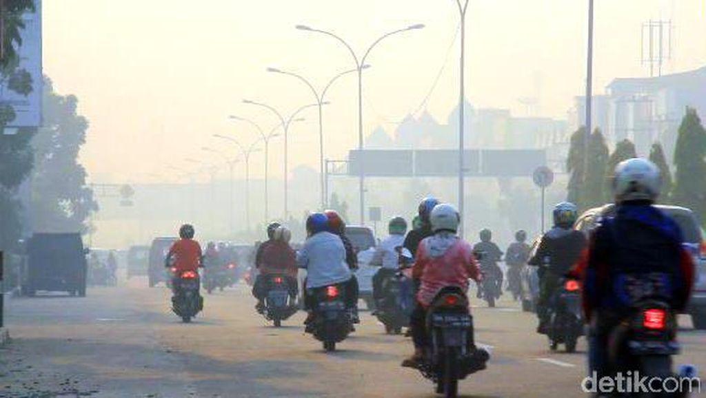 Kabut Asap Kiriman Melanda Aceh, Bandara Malikul Saleh Ditutup