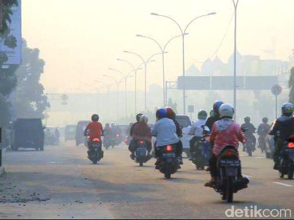 BNPB: 80 Persen Wilayah Sumatera Tertutup Asap, Ribuan Orang Menderita ISPA