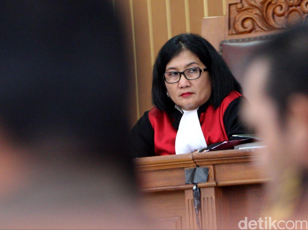 Hakim: Jaksa Tak Bisa Tetapkan Dahlan Iskan Jadi Tersangka Lagi