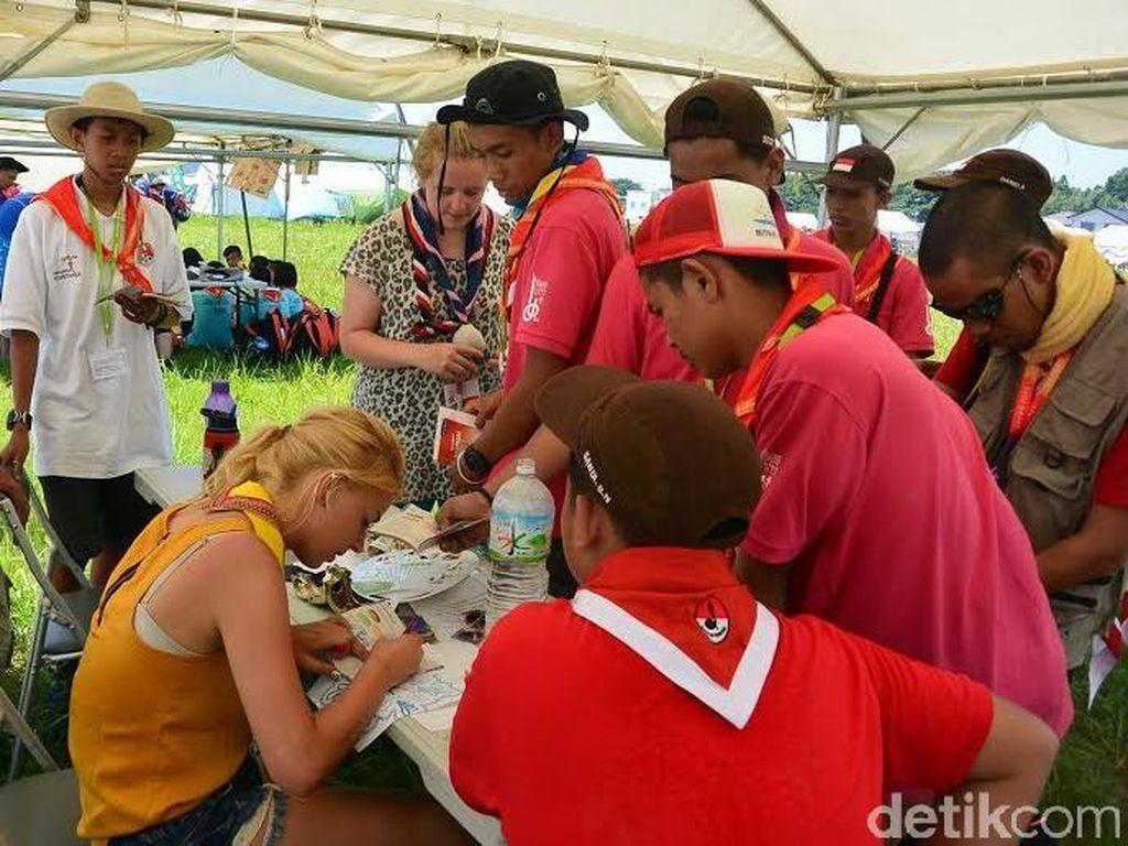 Anggota Pramuka Belanda Ini Senang Dapat Komunitas Bersepeda Baru di Jambore