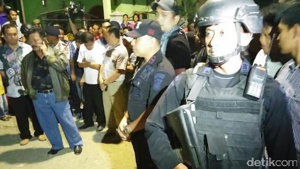 Ramai Warga, Begini Suasana Lokasi Ledakan di Makassar Malam ini