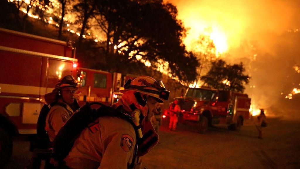 Permukiman Dekat Pasar Gembrong Kebakaran, Lalin Macet