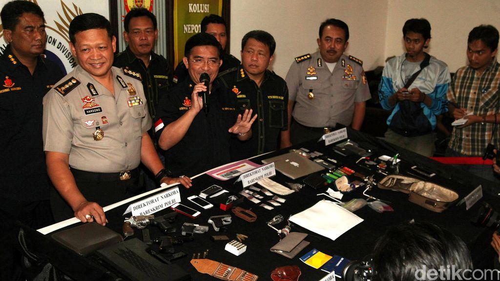 Rekan Reza Prawiro Sebut 5 Pistol Ilegal Milik Almarhum Ayahnya