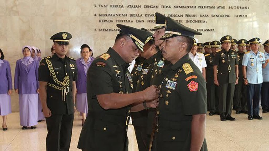 Kapuspen TNI Resmi Dijabat Mayjen Endang Sodik Gantikan Fuad Basya