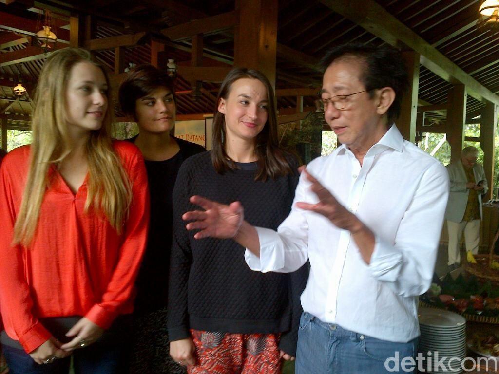 3 Mahasiswi Cantik asal Prancis ini Antusias Pelajari Jamu di Semarang