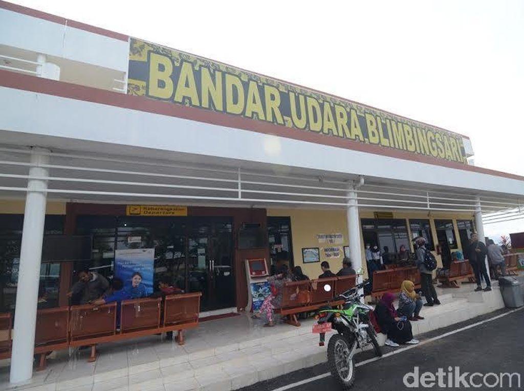 Diguyur Abu Gunung Raung, Bandara Blimbingsari Kembali Ditutup