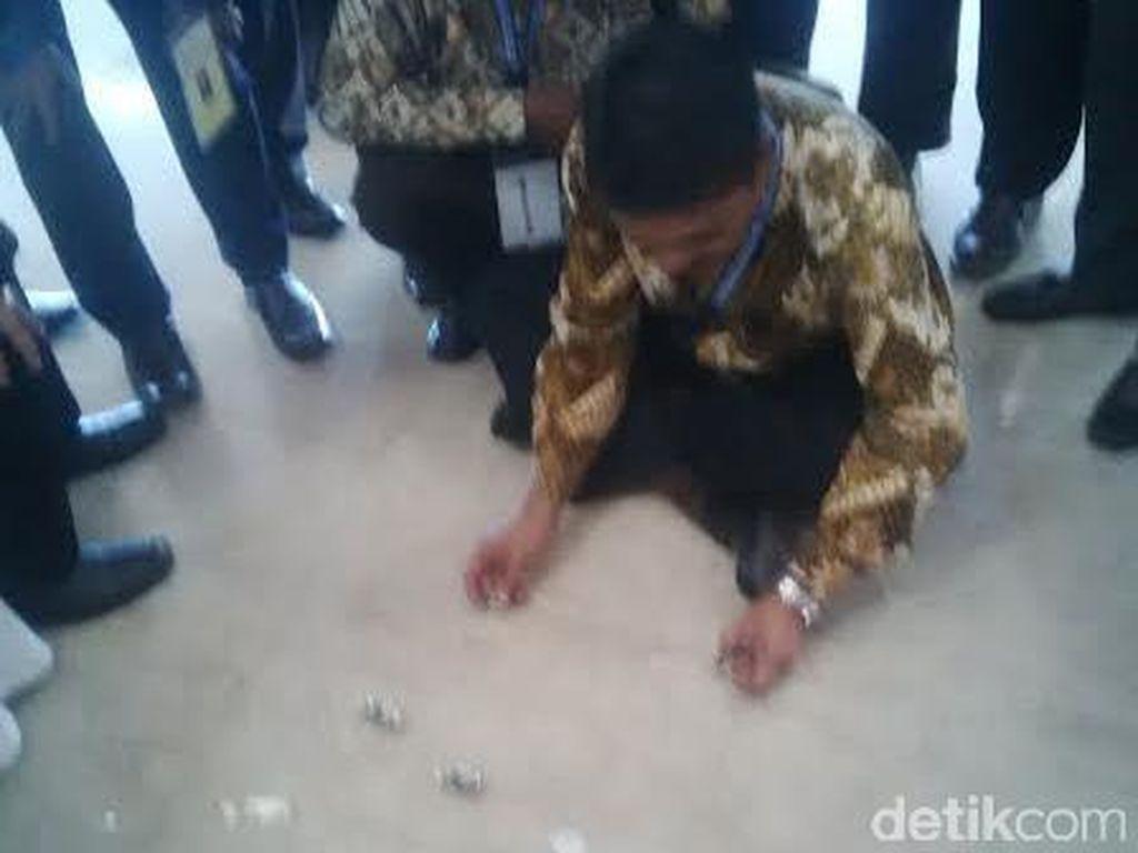 Ngadu Batu Akik Sambil Menunggu Pemilihan PP Muhammadiyah