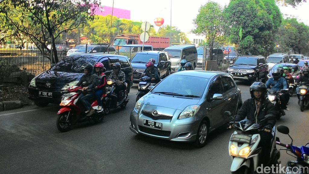 Tol JORR Gratis Depan Citos Ditutup Lagi, Jl TB Simatupang Kembali Macet