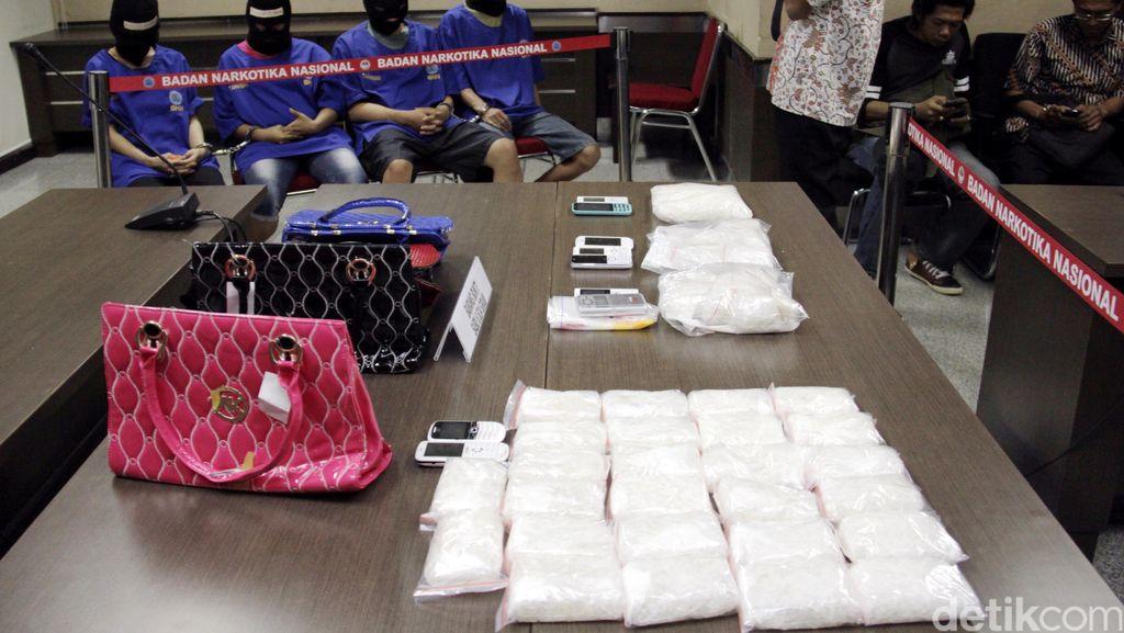BNN Bongkar Penyelundupan Sabu 103 Kg di Alat Pijat