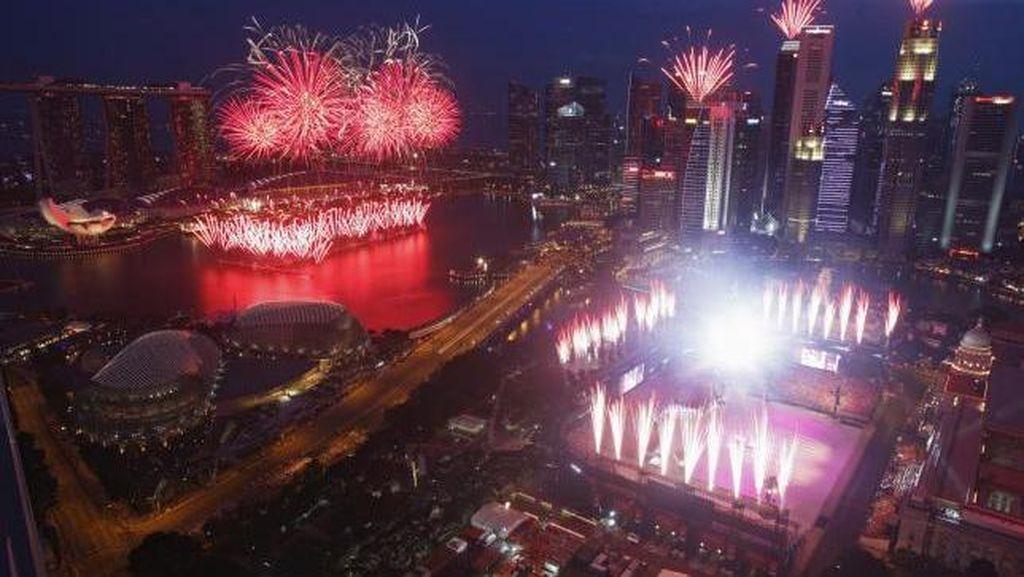 Singapura Dedikasikan Ulang Tahun Emasnya Untuk Mendiang Lee Kuan Yew