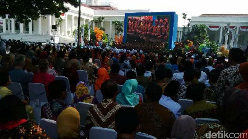 Selain Rusa, Ini yang Disampaikan Jokowi di Peringatan Hari Anak Nasional