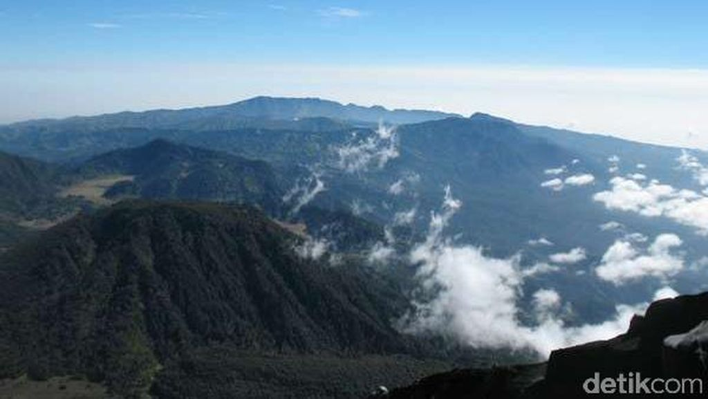 Hilang Beberapa Hari, Daniel Pendaki Bogor Ditemukan Selamat di Semeru