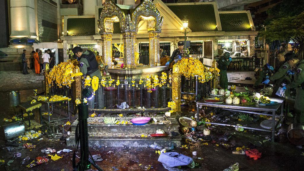 Hancur Akibat Ledakan Bom, Kuil Erawan Kini Mulai Diperbaiki