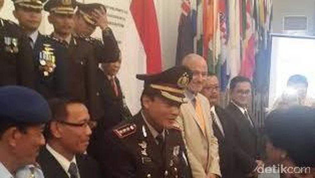 Polri Terima Penghargaan dari Menlu Atas Evakuasi WNI di Yaman dan Nepal